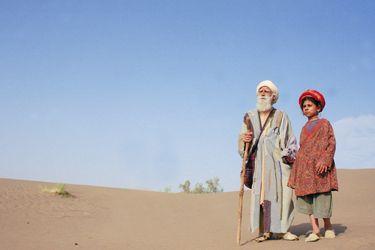 El sabio sufí Bab´Aziz con su nieta Ishtar (Bab´Aziz - Nacer Khemir).
