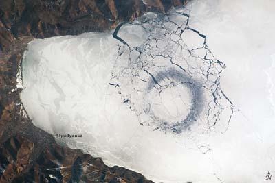Círculos extraños en el lago Baikal